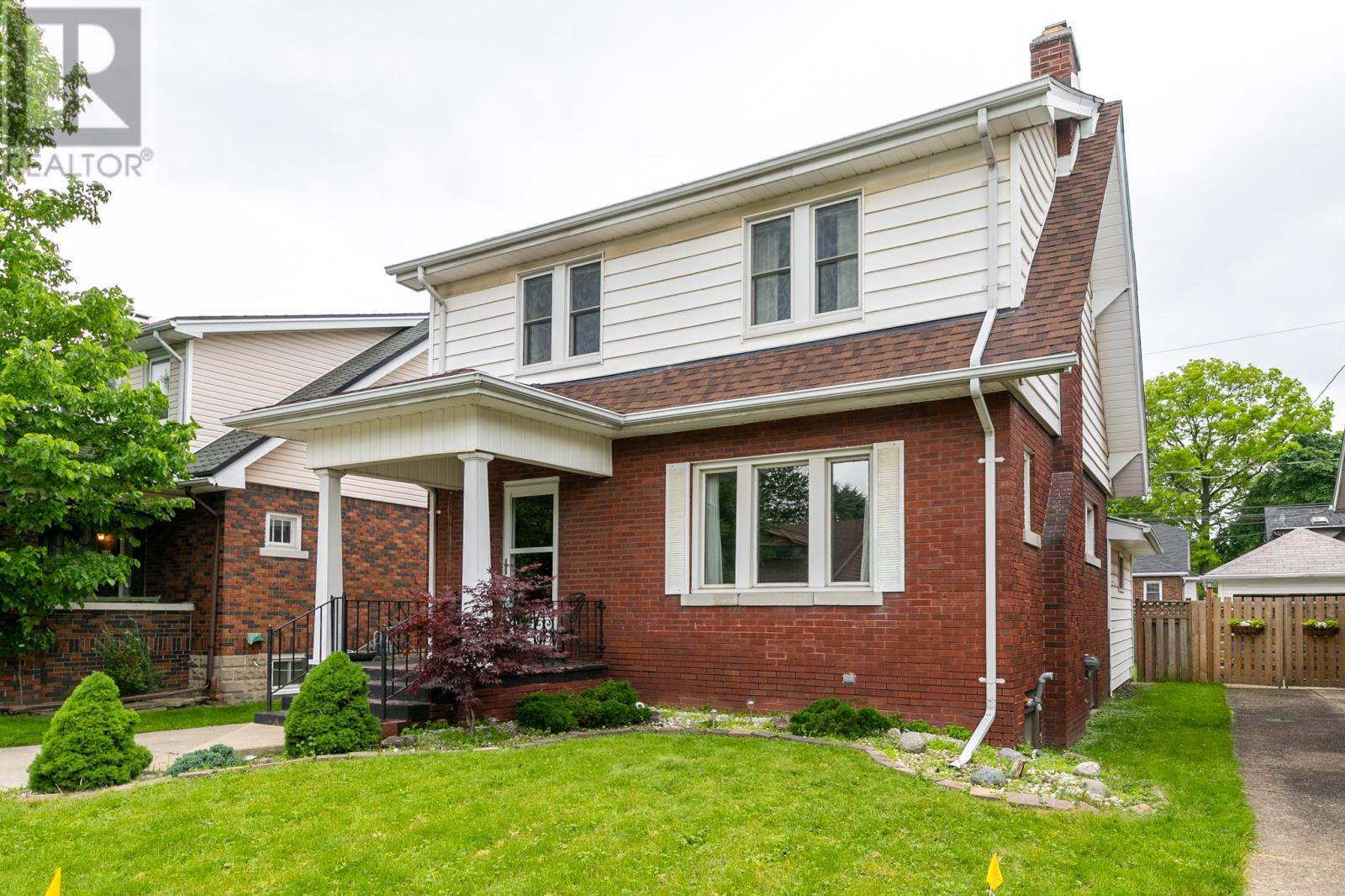 2333 Windermere, South Walkerville Home For Sale!